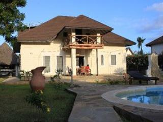 Villa Sunshine, Ferienhaus in Diani Beach Kenia   - Villa Sunshine with Pool and big garden - Diani - rentals