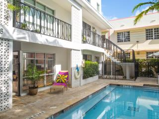 POOL SIDE SUITE -STEPS FROM THE POOL - Miami Beach vacation rentals