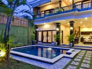 LEGIAN - 3 Bedroom+3 Bath - Breakfast daily - kubu - Legian vacation rentals