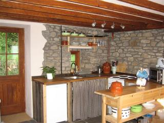 2 bedroom Cottage with Dishwasher in Aberdare - Aberdare vacation rentals