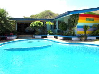 Villa Tamanuia - Tahiti - piscine jardin - 12 pers - Punaauia vacation rentals