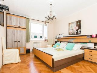 ROOMS ANA share bathroom,close to harbour - Dubrovnik vacation rentals