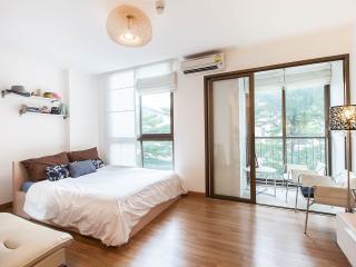 A Studio Next to BTS Udomsuk - Bangkok vacation rentals