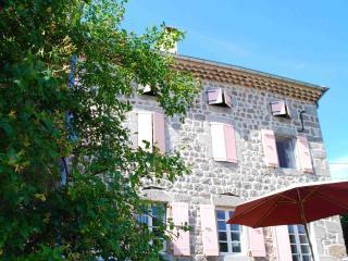 Maison Craux - Manoir - Les Ollieres sur Eyrieux vacation rentals