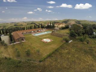 Borgo la Casa Apartment for 6 people - Montaione vacation rentals