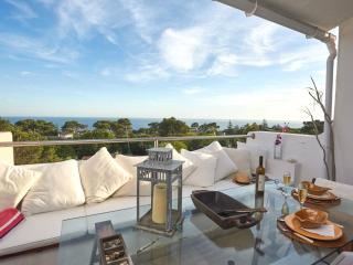 Beach Holiday Apartment Cascais - Sea Views & Pool - Cascais vacation rentals