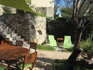 Gîte 115 m² 4 pièces 8 pers. Menton Côte d'Azur - Menton vacation rentals
