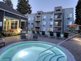 2 bedroom Condo with Internet Access in Hayward - Hayward vacation rentals