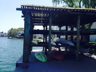 MAGNIFICENT 2 BEDROOM WATERFRONT CONDOMINIUM - Foster City vacation rentals