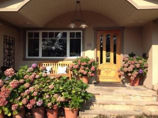 Beautiful Larkspur Home In Desirable Flat Neighborhood - Larkspur vacation rentals