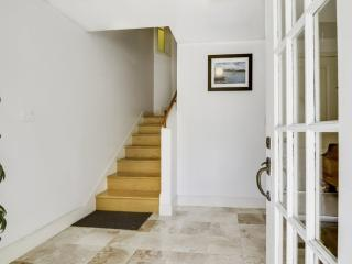 Clean and Neat 4 Bedroom, 2 Bathroom Flat in  SF - Architect Designed - San Francisco vacation rentals