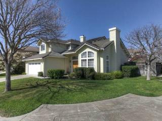 Grand Family Home - 4 Bedrooms, 3 Baths, Pool, Gazebo, Utilities Included - Union City vacation rentals