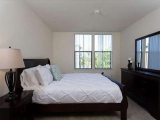 Beautiful 2 Bedroom Unit With Great Amenities - Foster City vacation rentals