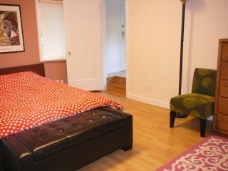 GORGEOUS 2 BEDROOM DUPLEX IN ORINDA - Orinda vacation rentals