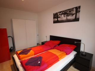 ZH DaCosta - Stauffacher HITrental Apartment Zurich - Zurich vacation rentals