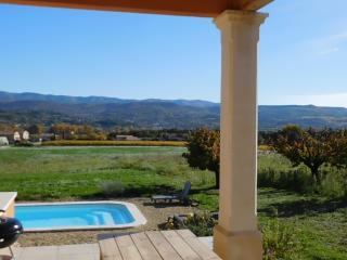 Les Hauts de Beyssan, maison provençale, piscine - Gargas vacation rentals