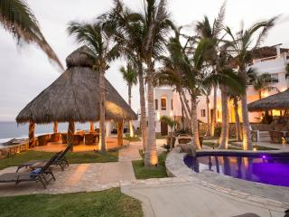 Beachfront Villa: San Jose Cabo Slps 12 inc staff - Los Cabos vacation rentals