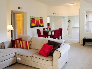 Cozy 2 bedroom Apt minutes from Sawgrass Mall - Plantation vacation rentals