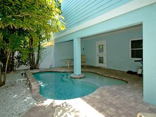 Nice House with Deck and Dishwasher - Bradenton Beach vacation rentals