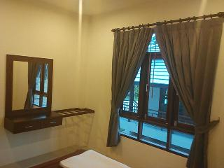 Nice Guest house with Internet Access and A/C - Koh Nang Yuan vacation rentals