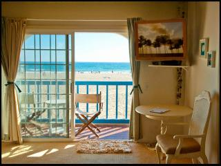 OCEANFRONT BEDROOM +PRIVATE BALCONY in SHARED HOME, (shared bath with owner) - Marina del Rey vacation rentals