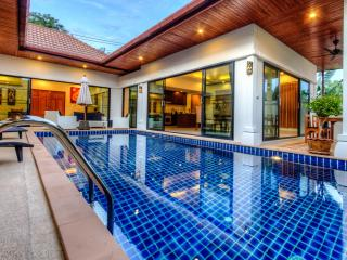Privacy & Stunning Pool Villa in Rawai - Rawai vacation rentals