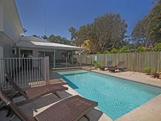 22 Sorrento Avenue, Coolum Beach - Linen Supplied PET FRIENDLY - $500 BOND - Coolum Beach vacation rentals