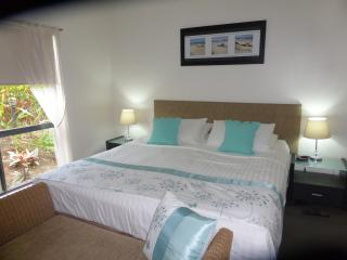 AMAZING, LUXURIOUS, BEAUTIFUL so say my guests - Palm Cove vacation rentals