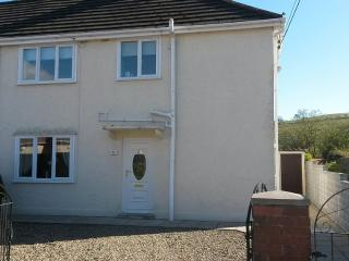 3 Bedroom House Surrounded By Brecon Beacons - Ystradgynlais vacation rentals