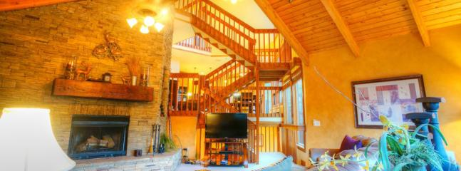 Luxurious 4 Bedroom 4.5 Bath Deer Valley Ski Condo!! - Image 1 - Deer Valley - rentals