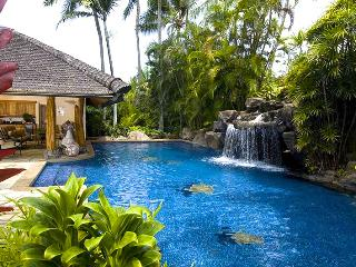 Stunning Estate Owned by Paul Mitchell on Lanikai Beach on Oahu! - Kailua vacation rentals