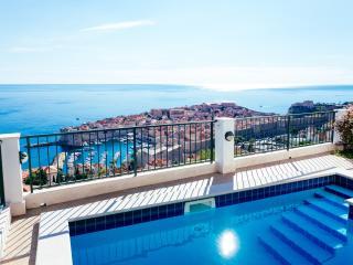 Cozy 3 bedroom Condo in Ploce - Ploce vacation rentals