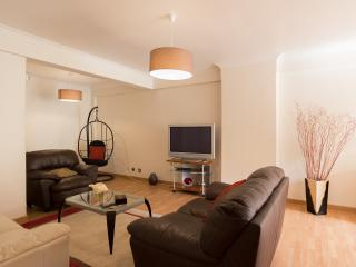 232 FLH Carcavelos Cozy Apartment - Carcavelos vacation rentals