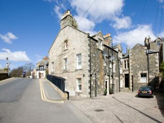 Nice 3 bedroom Peebles Apartment with Internet Access - Peebles vacation rentals