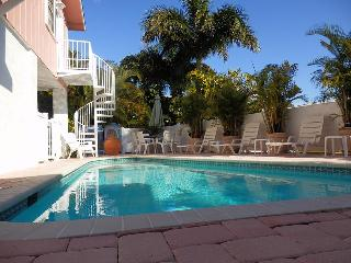 Ocean View 3 bedroom, pool, North Shore Drive - Anna Maria vacation rentals