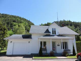 Nice House with Internet Access and A/C - Petit-Saguenay vacation rentals