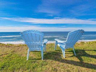 Charming oceanfront house - easy beach access & room for 9! - Gleneden Beach vacation rentals