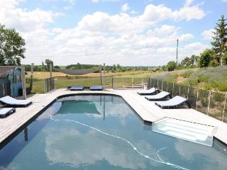 Countryside Holiday Home with pool in SW France 4p - Loubes-Bernac vacation rentals