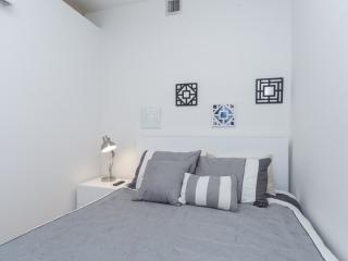 MODERN 3 BEDROOM NEW YORK APARTMENT - New York City vacation rentals
