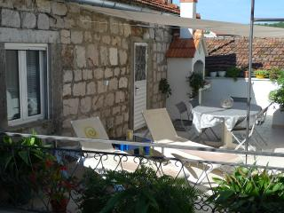 3 bedroom House with Internet Access in Stari Grad - Stari Grad vacation rentals