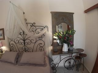 AKTIS - Friendly and sweet in the heart of Crete - Atsipópoulon vacation rentals