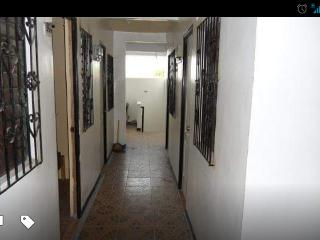 Affordable Transient Room Las Pinas City - Las Pinas vacation rentals