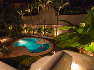 Luxurious 4 bedroom with pool, 75 yards to beach - Sayulita vacation rentals