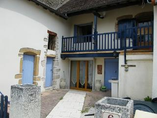 Bright 2 bedroom Bresse-sur-Grosne House with Internet Access - Bresse-sur-Grosne vacation rentals