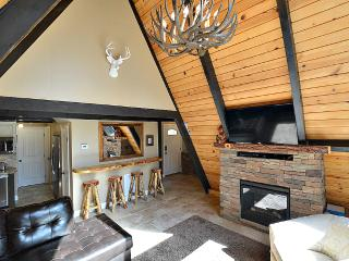 Cozy, One of a Kind Cabin! Wifi, Cable, BBQ! - Running Springs vacation rentals