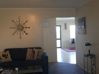 Comfortable Condo with Internet Access and Parking Space - Te Kauwhata vacation rentals