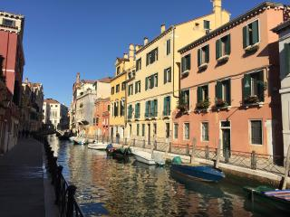 Cà Marin- large apartment facing an amazing canal - Venice vacation rentals