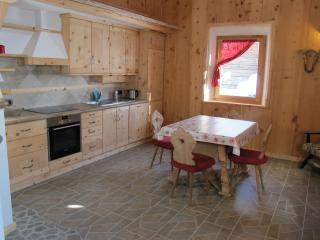2 bedroom Chalet with Housekeeping Included in Livigno - Livigno vacation rentals