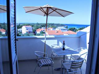Beautiful apartment for five, Galeb A6 - Novalja vacation rentals