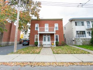 3 bedroom apartm. in Montreal. 10 min. from YUL - Montreal vacation rentals